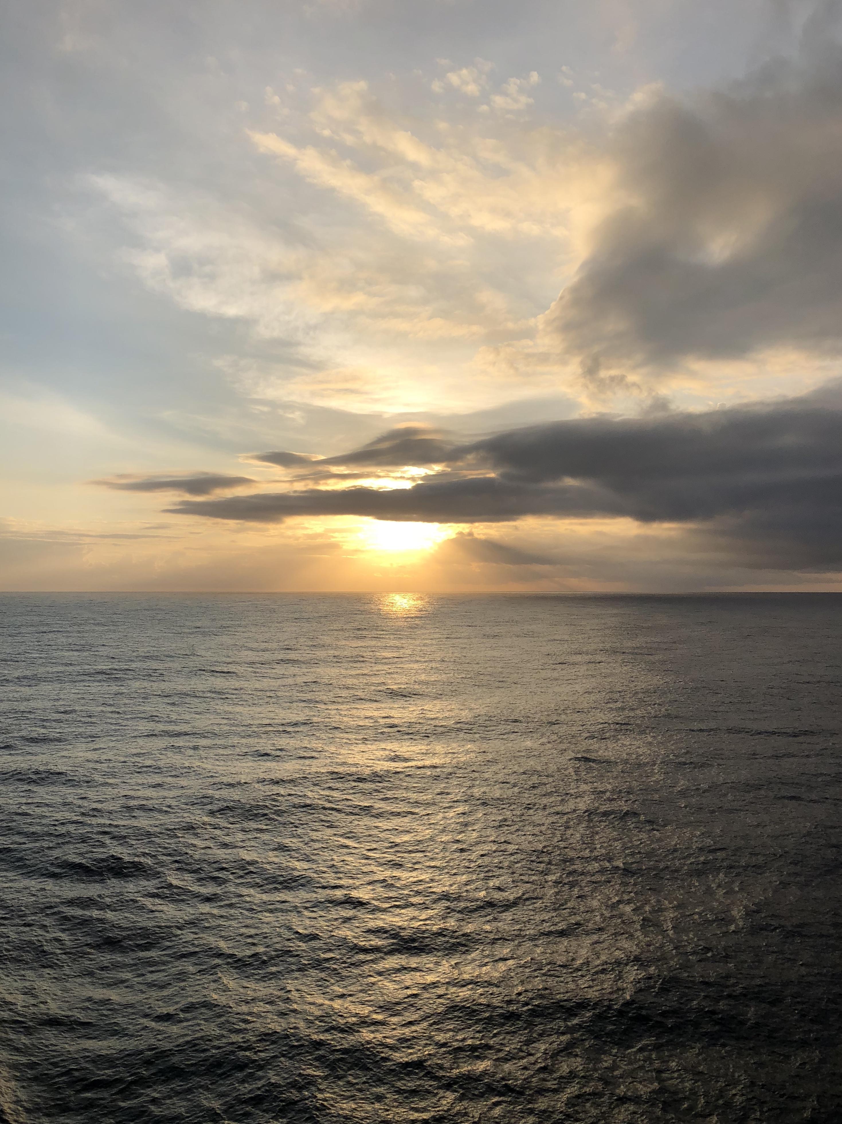 Рассвет на лайнере