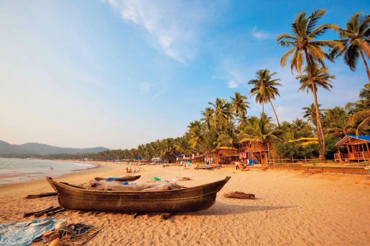 Куда съездить отдохнуть на море в феврале, чтобы вода была комфортной для купания