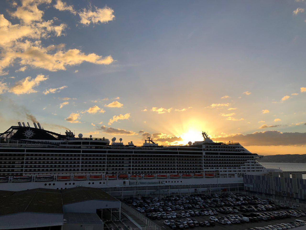 Закат MSC Cruise