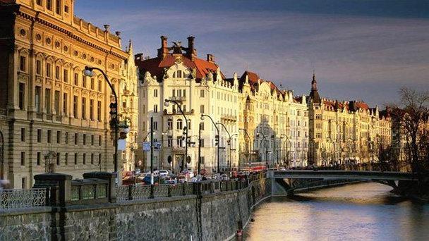 Масарикова набережная в Праге